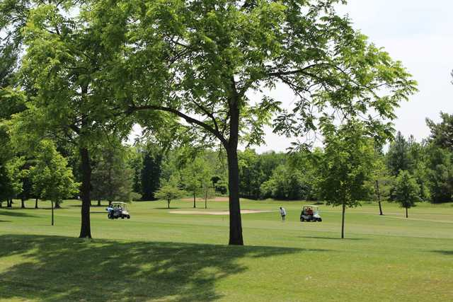 A sunny day view from Stony Creek Golf Course