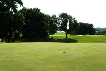 A view of hole #2 at Eagle Creek Golf Club
