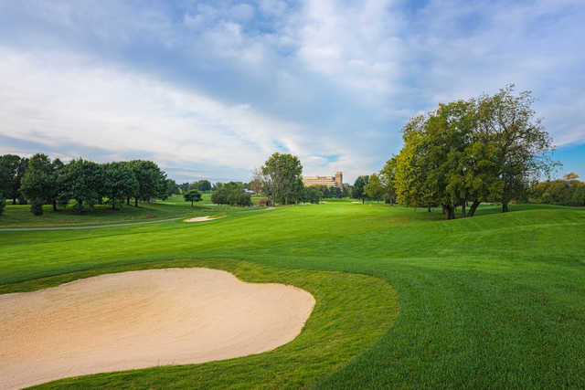 Bunker on the par-5, 491 yards third hole at Griffin Gate Golf Club (Photo © 2015, Dave Sansom)