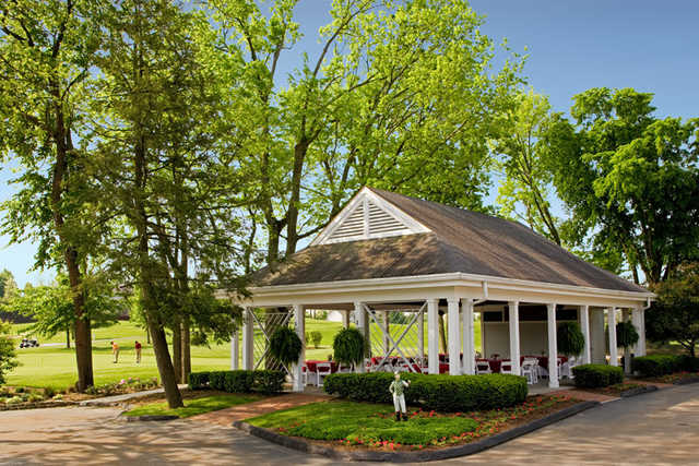 The outdoor golf pavilion at Griffin Gate (Dan Ham Photography)