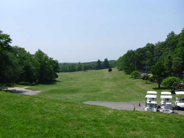 A view of tee #1 at Shelter Island Country Club