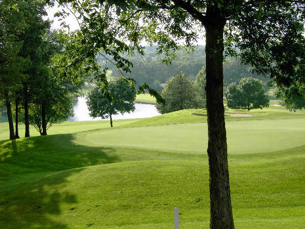 A view of a green at Lake Forest Country Club