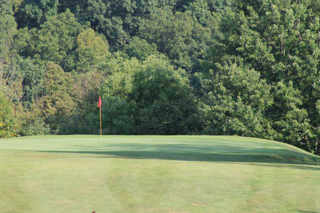 A view of a green at Switzerland of Ohio Country Club (Barnesville Shamrocks Golf)
