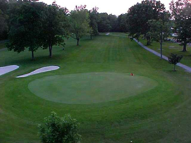 A view of a green at Northmoor Golf Club