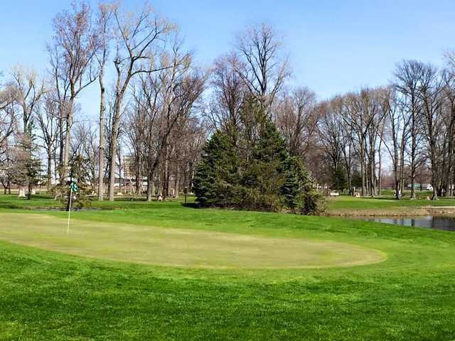 A view of a green at Findlay Hillcrest Golf Club