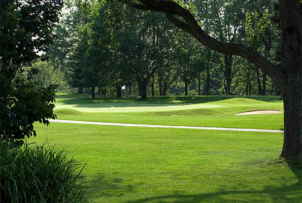 A view of hole #2 at Moundbuilders Country Club