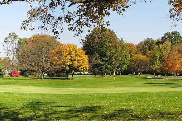 A fall day view of a hole at Riverview Golf Course