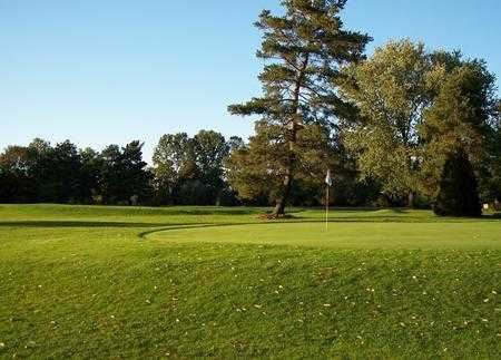 A view of a hole at Vienna Short Holes Golf Course