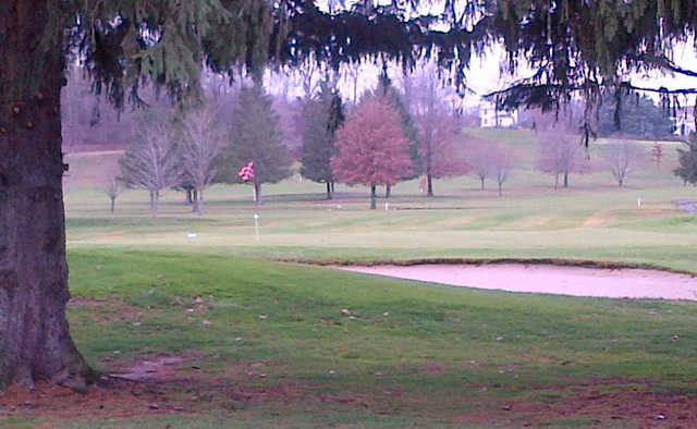 A view of a green at Hickory Flats Golf Course.