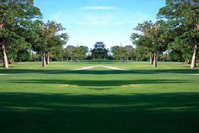 A sunny day view from Oak Hills Golf & Country Club