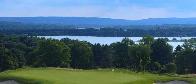 View of a green at High Bridge Hills Golf Club