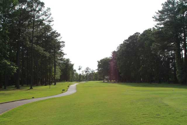 A view from a tee at Honey Bee Golf Club