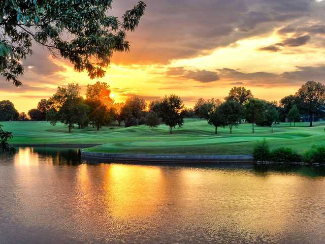 A view over the water from the Country Club of Missouri