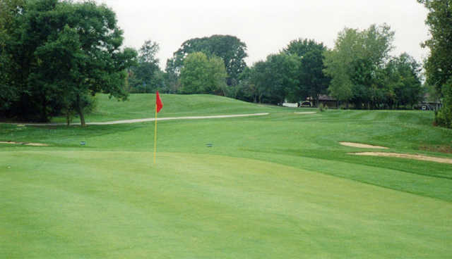 A view of a green at Palos Hills Golf Club