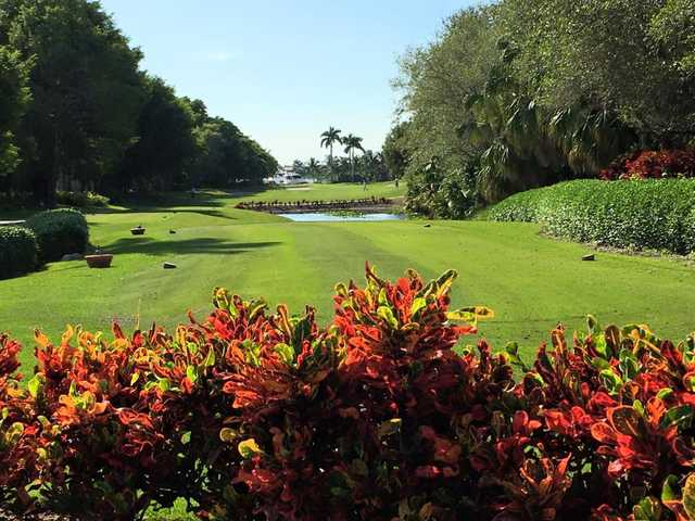 A sunny day view of a tee at Deering Bay Yacht & Country Club