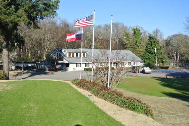 A view of the clubhouse at Waynesboro Country Club