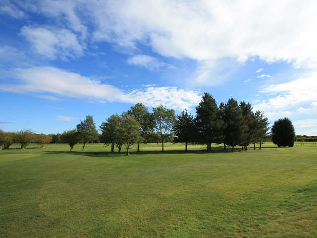 A sunny day view from Boothferry Golf Club