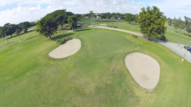 View of the 6th green and bunkers at Hollywood Beach Golf & Country Club