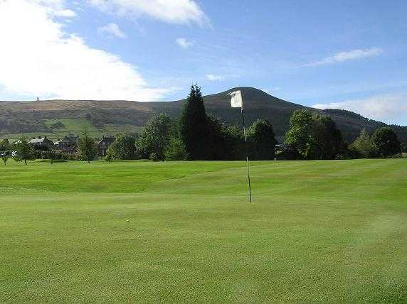 Falkland Golf Club: 1st fairway with Lomond Hills as backdrop