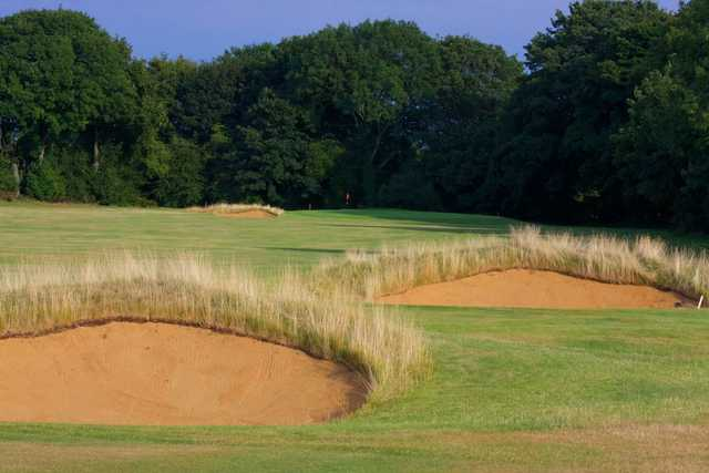 A view of a green protected by tricky bunkers at Tadmarton Heath Golf Club