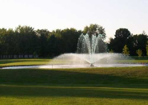 View of the fountain at Arcadia Country Club