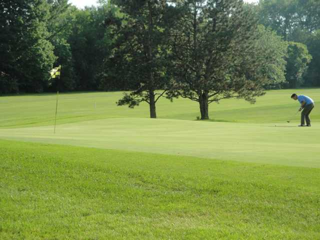 A view of the putting area at Village Green Country Club