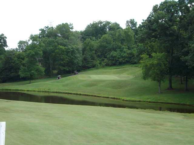 View of the 4th green at Country Hills Golf Club