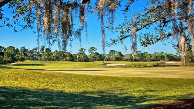 A sunny day view of a hole at Floridian (Dave Sansom & Murray Cohen)
