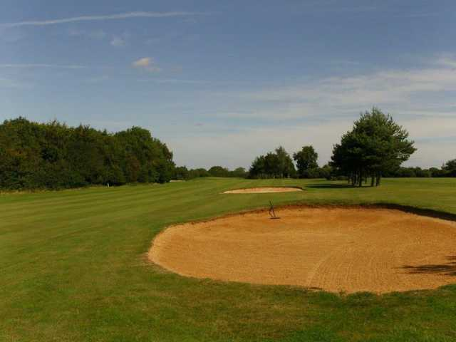 Green with bunkers at Rye Hill Golf Club