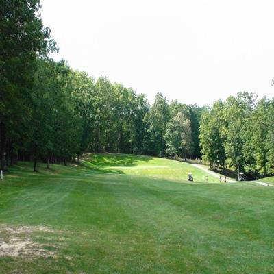 A view of green #14 at River Run Golf Club