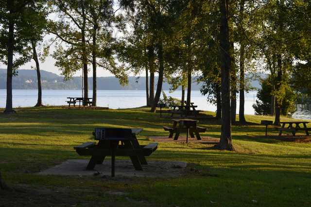 View of the picnic area at Pickwick Landing State Park Golf Course