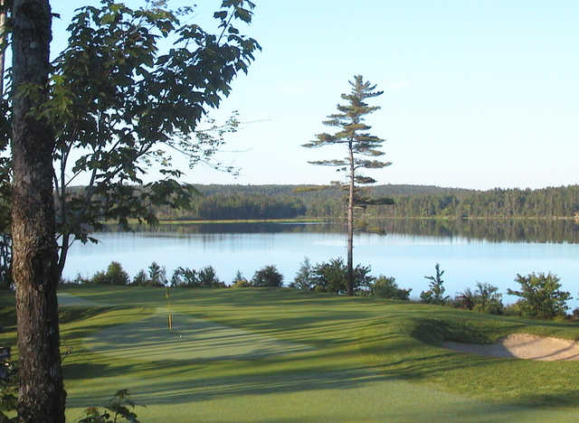 A view of hole #4 with the lake in background from The Links at Montague