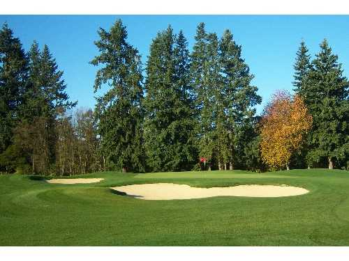 A view of hole #17 protected by bynkers at Chehalem Glenn Golf Club