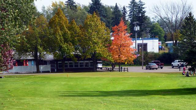 A view of a green at Tee-Hi Club