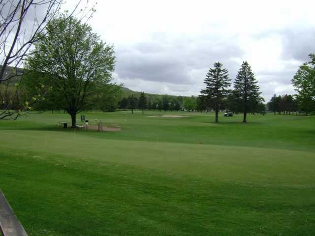 A view of the practice putting green area at Rib Mountain Golf Course
