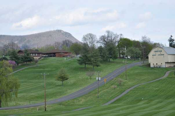 A view of th e clubhouse at Lakeview Golf Club