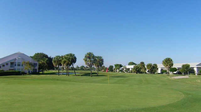 A view of a green from The Golf Club of Jupiter