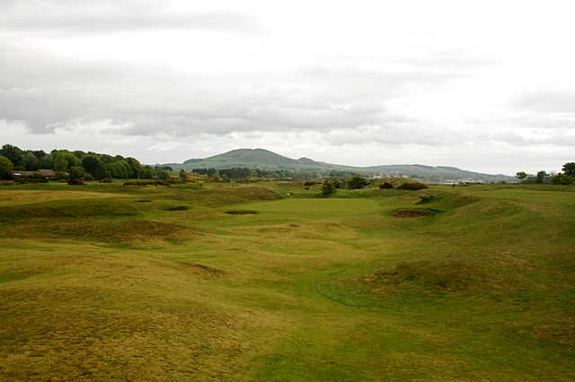 The first hole at Leven Links Golf Course is a short par 4.