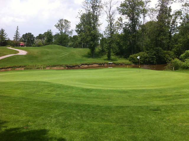 A view of the 10th green at Rolling Meadows Golf and Country Club