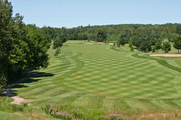 A view of green #16 at Lakeridge Links Golf Course