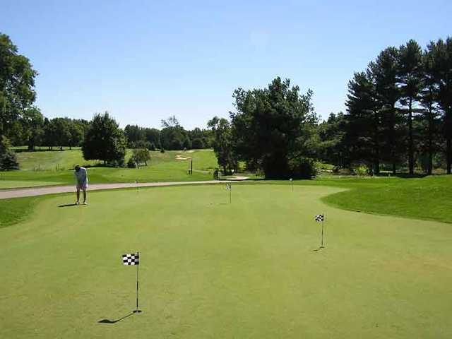 A view of the putting green at Clearbrook Golf Club