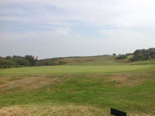 A view of the 7th green at The Isle or Purbeck Golf Club