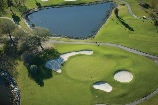 Aerial view of a green protected by bunkers at Plantation on Crystal River