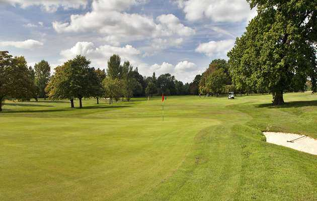 The 4th hole at North Middlesex Golf Club