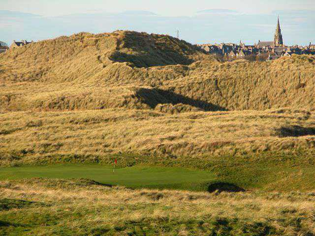 The 17th green is well protected by the surrounding dunes