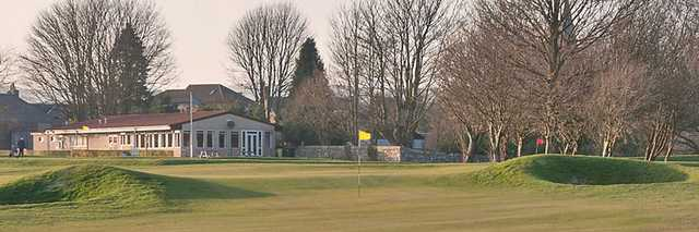 The 9th green at Milnathort Golf Club