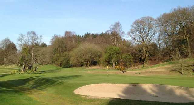 The raised 1st green at Douglas Park Golf Club