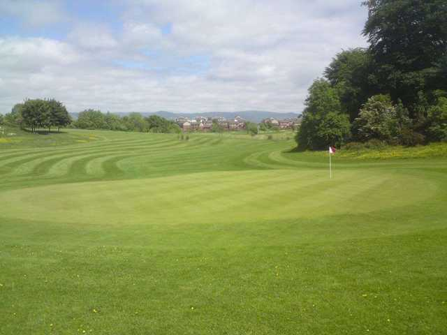 View of the green and surrounds at Brucefields Family Golf Centre