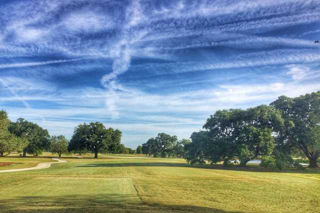 The 8th hole is the shortest par 4 on the front nine on Bayou Oaks' South course