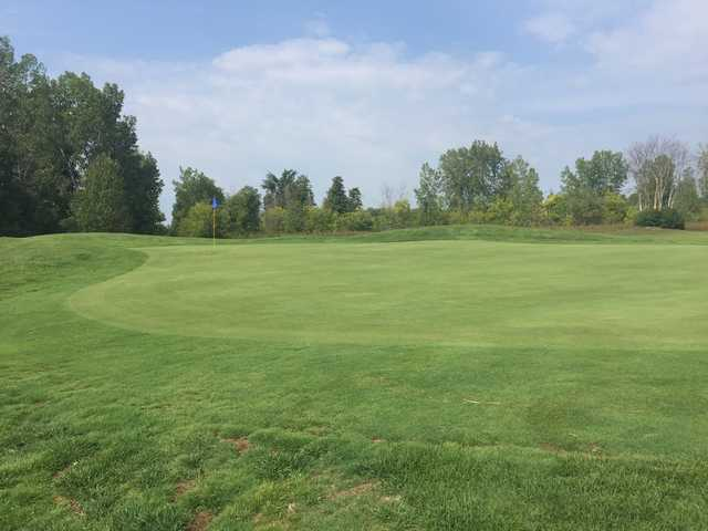 View of a green at Club de Golf Les Vieux Moulins